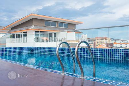 Apartments for sale in Thailand. New apartment with high-quality finishing, in a modern condominium with a roof-top terrace and a swimming pool, Pattaya, Thailand