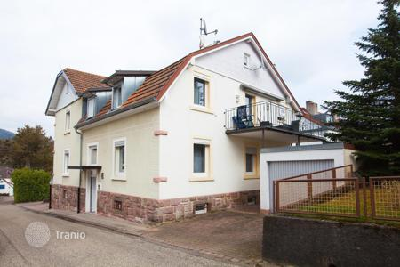 Houses for sale in Baden-Wurttemberg. Renovated 2-storey house of 3 apartments in Baden-Baden