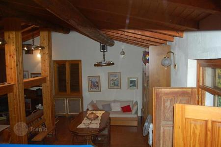 Property for sale in Lombardy. VILLA with 17000 m² GARDEN and WOODLAND in the LOMBARDY HILLS