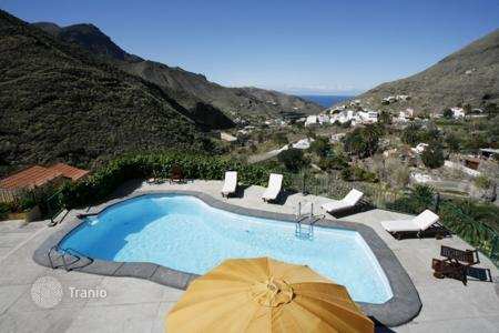 Residential to rent in Gran Canaria. Detached house – Gran Canaria, Canary Islands, Spain