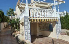 Cheap property for sale in L'Alfàs del Pi. Chalet – L'Alfàs del Pi, Valencia, Spain
