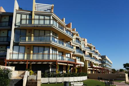 Apartments with pools for sale in Costa Dorada. Exclusive apartment on the seafront