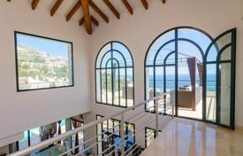 4 bedroom villas and houses to rent in Costa Blanca. Villa for rent with four terraces, a view of the sea, a garden and a swimming pool, Altea, Spain