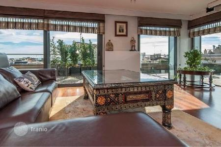 Coastal penthouses for sale in Catalonia. Luxury penthouse with a swimming pool and a panoramic terrace in Barcelona, Sarrià-Sant Gervasi area, Galvani