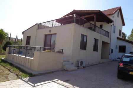 4 bedroom houses by the sea for sale in Pareklisia. Four Bedroom Detached House
