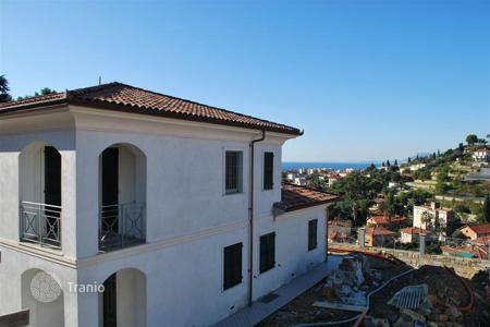 Luxury property for sale in Bordighera. New villa with pool and sea view in Bordighera