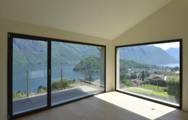 Luxury 3 bedroom houses for sale in Italian Lakes. Villa with a swimming pool, a garden and a view of Lake Como, Mezzegra, Italy