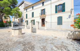 Luxury houses for sale in Costa Brava. Furnished house with a pool, a garden and picturesque views, Selva, Girona, Spain