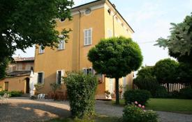 Residential for sale in Emilia-Romagna. Former HUNTING LODGE on the border between LOMBARDY and HILLS AROUND PIACENZA