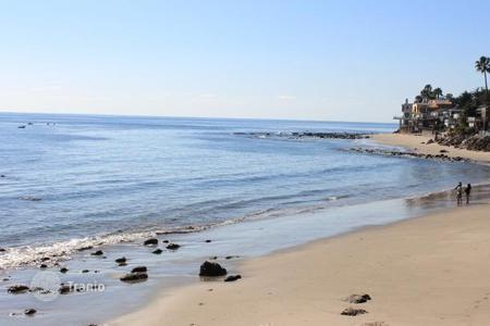 1 bedroom apartments for sale in North America. The apartment overlooking the ocean in Malibu