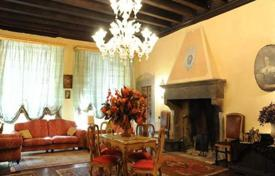 3 bedroom houses by the sea for sale in Lucca. Villa – Lucca, Tuscany, Italy