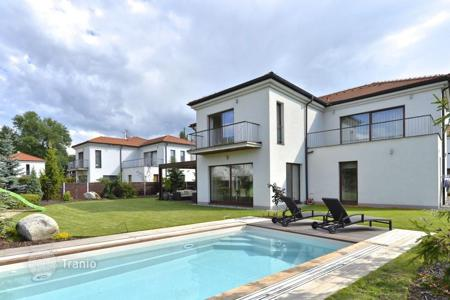 Residential for sale in Statenice. Detached house – Statenice, Central Bohemia, Czech Republic