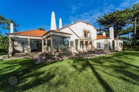 Luxury houses for sale in Cascais. Unique house on the beach in Cascais