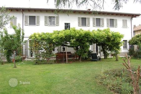 Residential for sale in Casteggio. FARMHOUSE WITH GARDEN — LOMBARDY HILLS