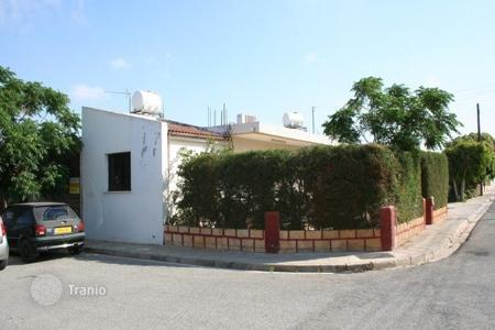 Cheap houses for sale in Cyprus. Traditional 3 Bedroom Bungalow in Liopetri