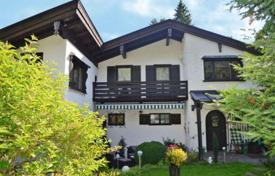 5 bedroom houses for sale in Germany. House in a quiet area of the city, Josefstal, Schliersee, Germany