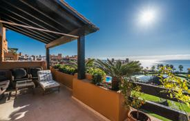 2 bedroom apartments for sale in Costa del Sol. Superb Modern Apartment in Beachfront Los Granados del Mar, Estepona