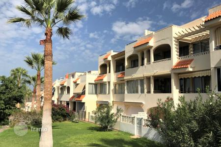 Cheap residential for sale in Callao Salvaje. Apartment with sunny garden in Callao Salvaje