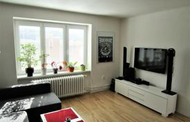 Bright apartment in a brick house without an elevator, in a quiet residential area, Prague 6, Czech Republic for 174,000 €