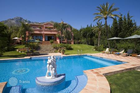 Coastal houses for sale in Malaga. Magnificent villa in Sierra Blanca