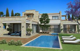 Conjuring a sense of Mediterranean elegance a hamlet of opulent homes at the renowned Venus Rock Golf Resort for 2,035,000 €