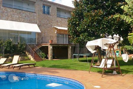 5 bedroom houses for sale in Costa Brava. Villa – Castell Platja d'Aro, Catalonia, Spain
