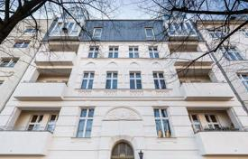Property for sale in Charlottenburg. One-bedroom apartment in a historic building near Karl — August — Platz, Charlottenburg, Berlin