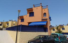 Property for sale in Gran Canaria. Lovely Triplex House near the sea in Meloneras