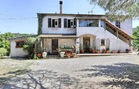Houses for sale in Livorno. Two-level villa with a large plot in Piombino, Tuscany, Italy