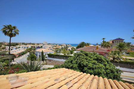 5 bedroom houses for sale in Valencia. Cabo Roig, Orihuela Costa, Villa of 200 m² with plot of 800 m²