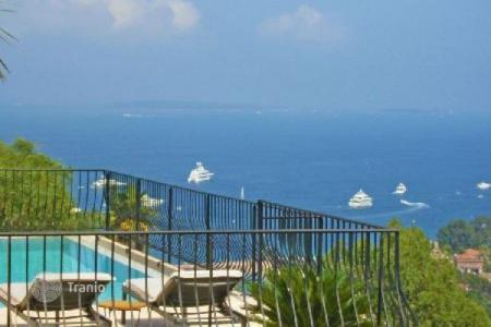 Residential for sale in Theoule-sur-Mer. Villa – Theoule-sur-Mer, Côte d'Azur (French Riviera), France