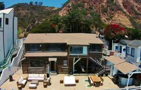 4 Bedroom Villa in Malibu, on the beach. Available for up to 8 guests.. Price on request