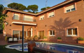 Residential for sale in Sant Pol de Mar. Amazing tower constructed in 2006 and located only 150 meters from the beach, in Sant Pol de Mar