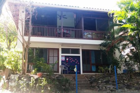 Property for sale in Guanacaste. Beachfront 3-bedroom house located in Ocotal beach, Guanacaste, Costa Rica
