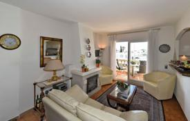 Apartments for sale in Pineda de Mar. Well-appointed apartment with a fireplace and a terrace, in a residential complex on the banks of the canal in Pineda de Mar, Spain