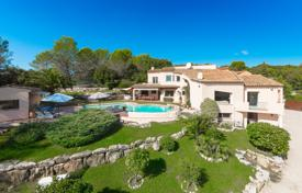 Luxury 6 bedroom houses for sale in Côte d'Azur (French Riviera). Valbonne — Sea view
