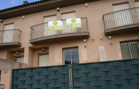 Foreclosed 3 bedroom houses for sale in Valencia. Villa – Gilet, Valencia, Spain