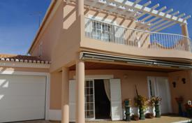 Residential for sale in Lagos. 3 Bedroom modern linked villa near Porto do Mós beach in Lagos