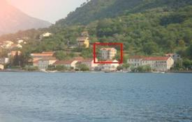 Coastal residential for sale in Prčanj. Apartment in Prcanj 40 meters from the sea