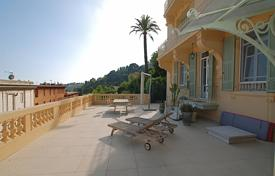 Coastal apartments for sale in Beaulieu-sur-Mer. Belle Epoque Apartment with Terrace