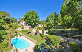 Houses for sale in Le Tignet. Villa – Le Tignet, Côte d'Azur (French Riviera), France