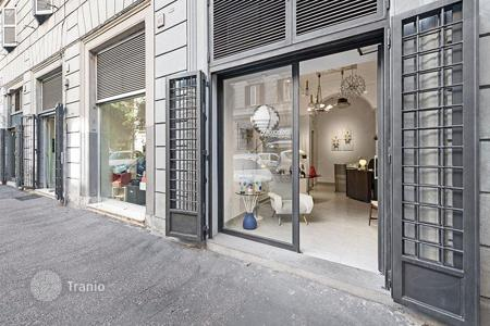 Retail property for sale in Italy. Prestigious store in an area full of businesses in the elegant Prati neighborhood