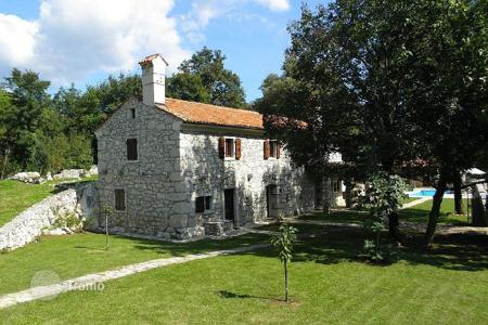 Property for sale in Labin. House LABIN. stone house with a large garden 45,000 m²!