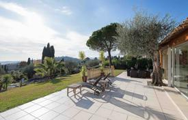 5 bedroom houses for sale in Mougins. Mougins — Provencal villa