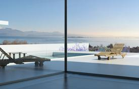 Luxury houses for sale overseas. Villa – Desenzano del Garda, Lombardy, Italy