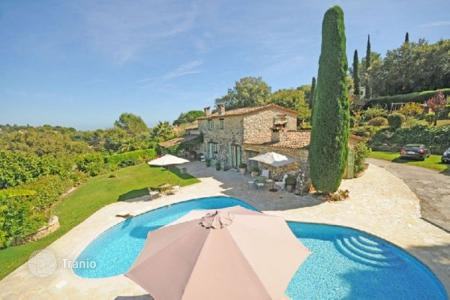 5 bedroom houses for sale in Biot. Villa - Biot, Côte d'Azur (French Riviera), France