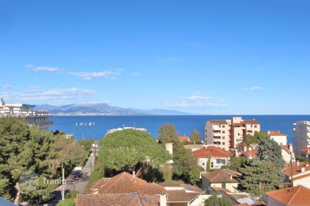 Apartments to rent in France. Antibes — Salis — Fantastic sea view