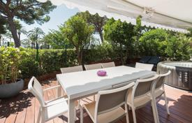 2 bedroom apartments for sale in Côte d'Azur (French Riviera). Cannes — Croisette — Close to beaches