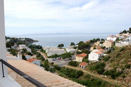 Townhouses for sale in Roses. Terraced house – Roses, Catalonia, Spain