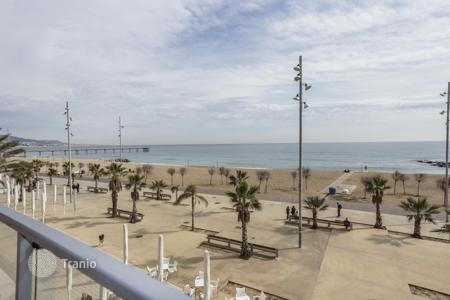 Property for sale in Badalona. Аpartment on the beach